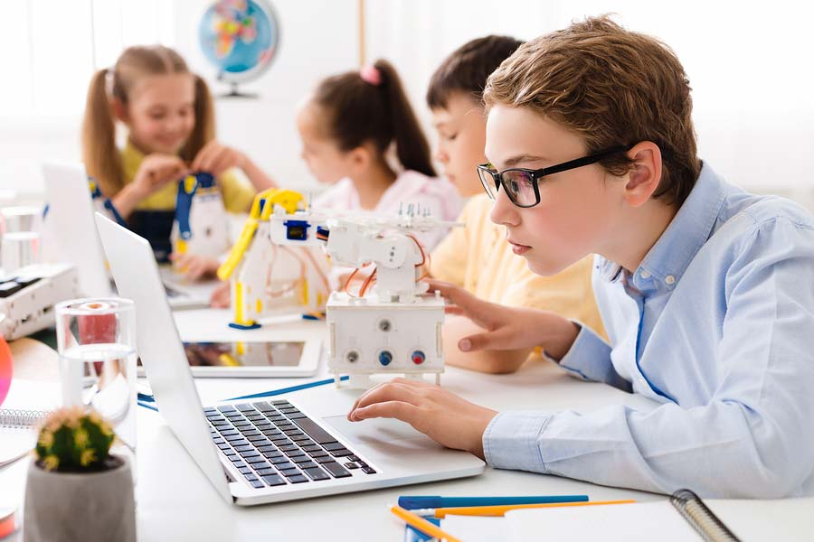 The Benefits of Private STEM Tutoring