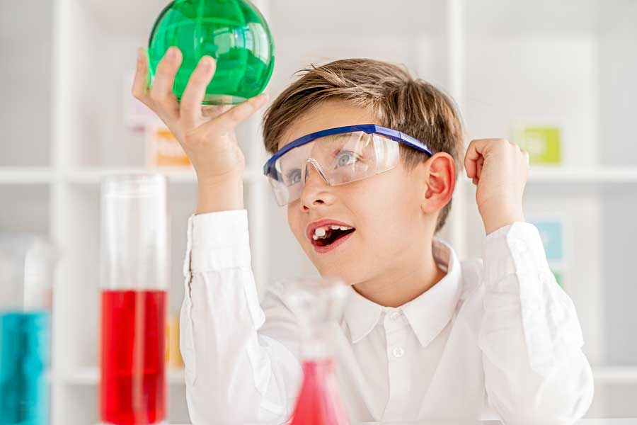 Videos on kid's science experiments.